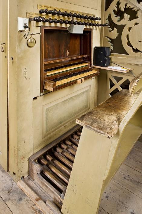 GARMERWOLDE / 28-9-2007 / Orgel en klaviatuur (klavier - toetsen) van kerk in bezit van Stichting Oude Groninger kerken / foto: Omke Oudeman