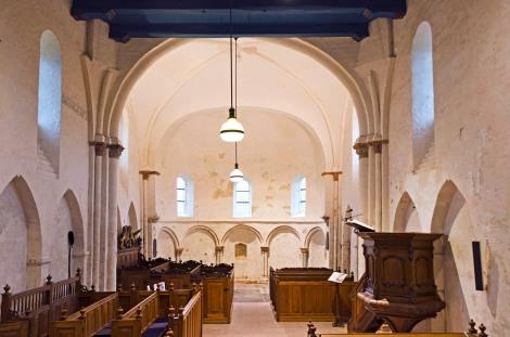 Kerkinterieur voor de restauratie / foto: Marien Bugel