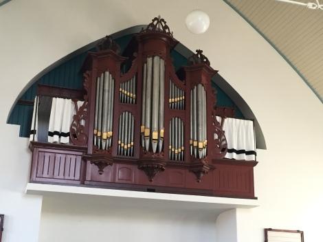 nieuwe orgelgordijntjes